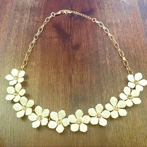 Small white/cream flowered necklace!