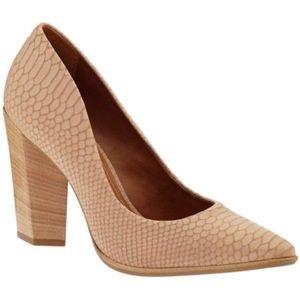 👗NIB carrano rose snake leather stacked heel