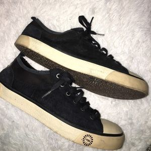 UGG Black EVERA sneakers Shoes Style 1888 sz 9