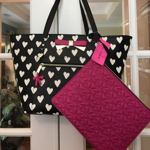🆕 Betsey Johnson Large Tote w Extra Bag