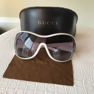 Gucci Woman's sunglasses