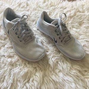 "Grey Nike ""Flex 2016 Run"" shoes"