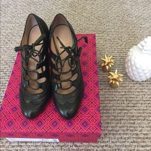 Stunning Tory Burch Astrid Pumps Shoes Size 7