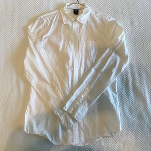 GAP White Button-Down Shirt. Size 6.