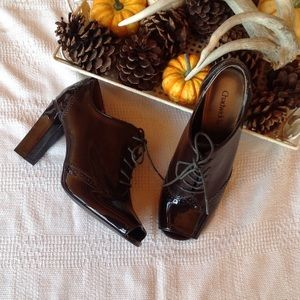 Brown vintage open toe high heel oxfords. NWOT.