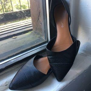 Slip on pointed toe leather flats amazing quality