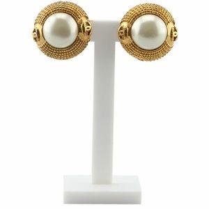 Chanel Faux Pearl Clip-on Earrings 136752
