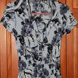 APT.9 Worn once floral shirt! BRAND NEW