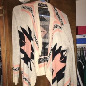 Nice clothes, barely worn & in great condition!