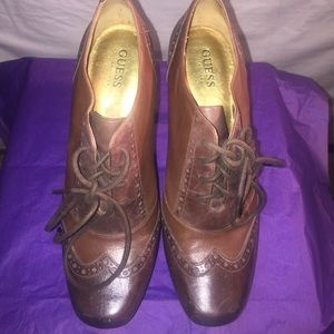 Size 9 Guess Oxfords