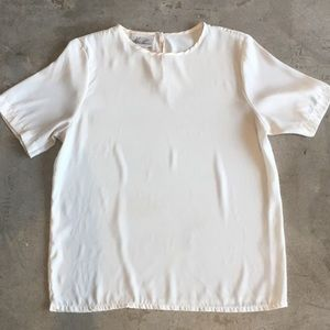 Flowy off white shirt 🌾