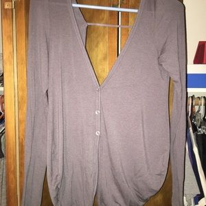 Nice clothes in great condition & barely worn!