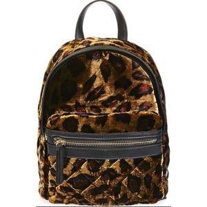 Bobby Mini Leopard Velvet Backpack / TOPSHOP