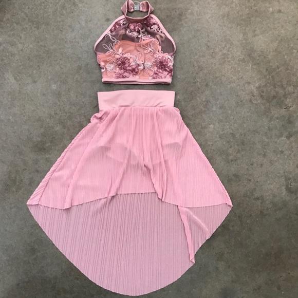 3dc0dbb32 Girls Dance Costume Lyrical 2 Piece size 8. M 59e784014e95a3aa8d091d00