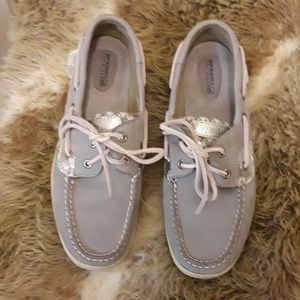 New NWOT Leather Sperrys in gray
