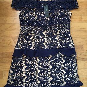 Roméo + Juliet navy blue dress size M