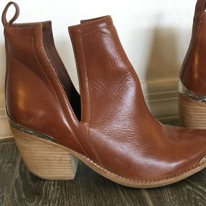 Jeffrey Campbell Cromwell Ankle bootie