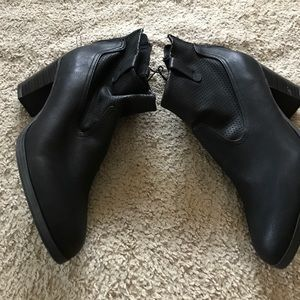 Sam and Libby heeled ankle boots size 8