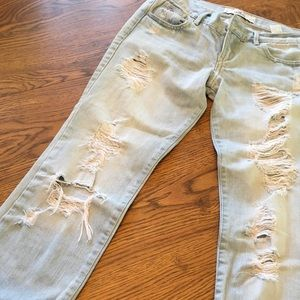 Hollister boyfriend destructed jeans 27