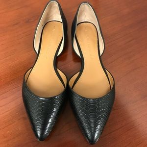 Banana Republic black faux snake flats