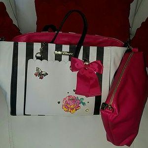 Beautiful tote bag BETSEY JOHNSON