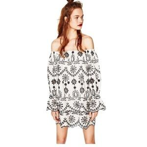 Zara SCHIFFLI EMBROIDERED Off the shoulder Dress