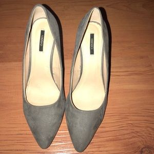 🔥👠 forever 21 gray suede heels 👠🔥