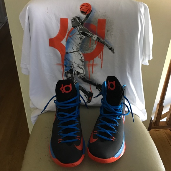 bc7a68f9ac50 Nike air Kd og KD1 sneakers and t- shirt. M 59e792c1a88e7dce92094708