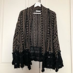 Zara boho kimono with sleeve and hemline detail