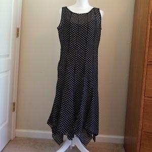 Black and White Sleeveless Studio 1 Dress