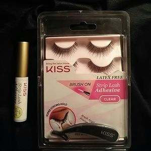 Other - Kiss lashes w\ lash glue