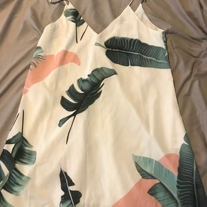 Cotton on size med/ small even tho tag large