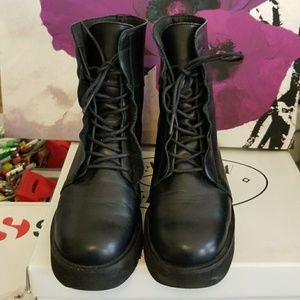 Steve Madden Jenica combat boots