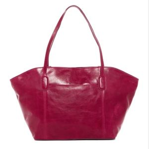 hobo PATTI leather tote in RED PLUM