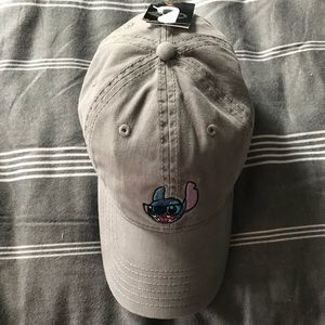 4f09e07103e74 Disney Accessories - NWT Disney s Lilo   Stitch Dad Hat