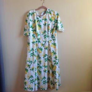 Lemon print dress with pockets!!