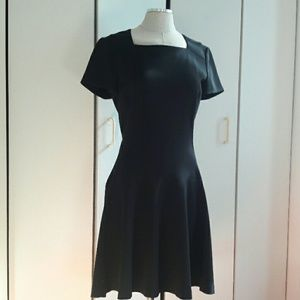 Diane von Furstenberg Hansine Black Fit Flair 10