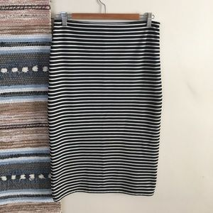Black white striped pencil skirt Forever 21 M