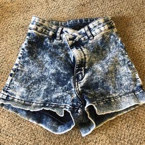 H&M acid wash jean shorts