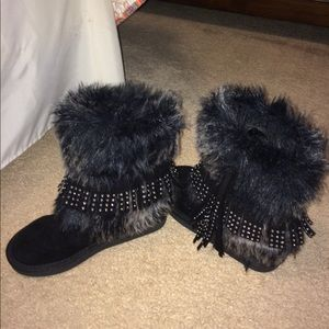 JUSTICE FURRY BOOTS