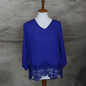 NWT Stitch Fix Skies are Blue crochet trim top  L