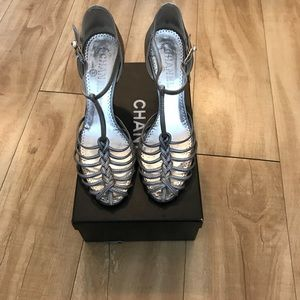 Chanel basket toe pumps silver with pearl buckle 9