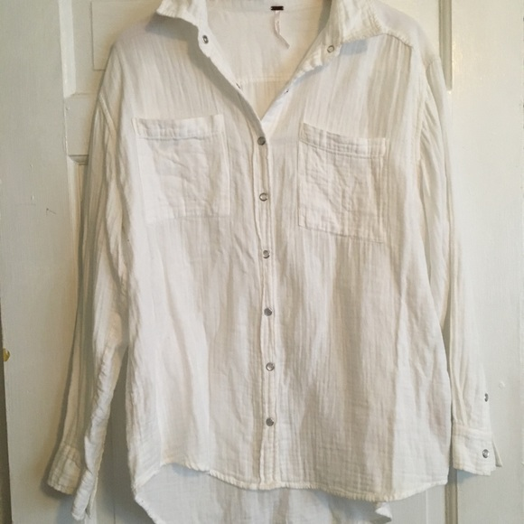 7ffe2a79 Free People Tops - Free People White Gauze Button Down top. XS