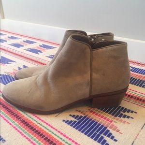 Sam Edelman tan suede ankle booties size 7