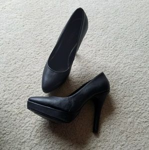 Divided by H&M Flat Black Pointed Toe Heels