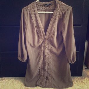 Quarter sleeve button up blouse