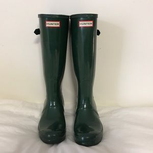 Hunter Rainboots in forest green
