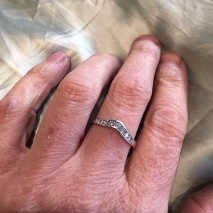 14k white gold diamond - curved band