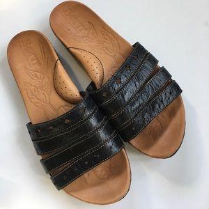 EUC Born leather sandals