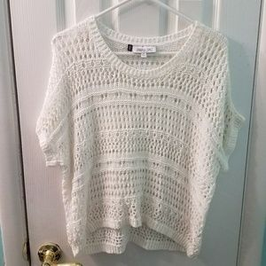 Jennifer Lopez white knit Dolman sleeve sweater
